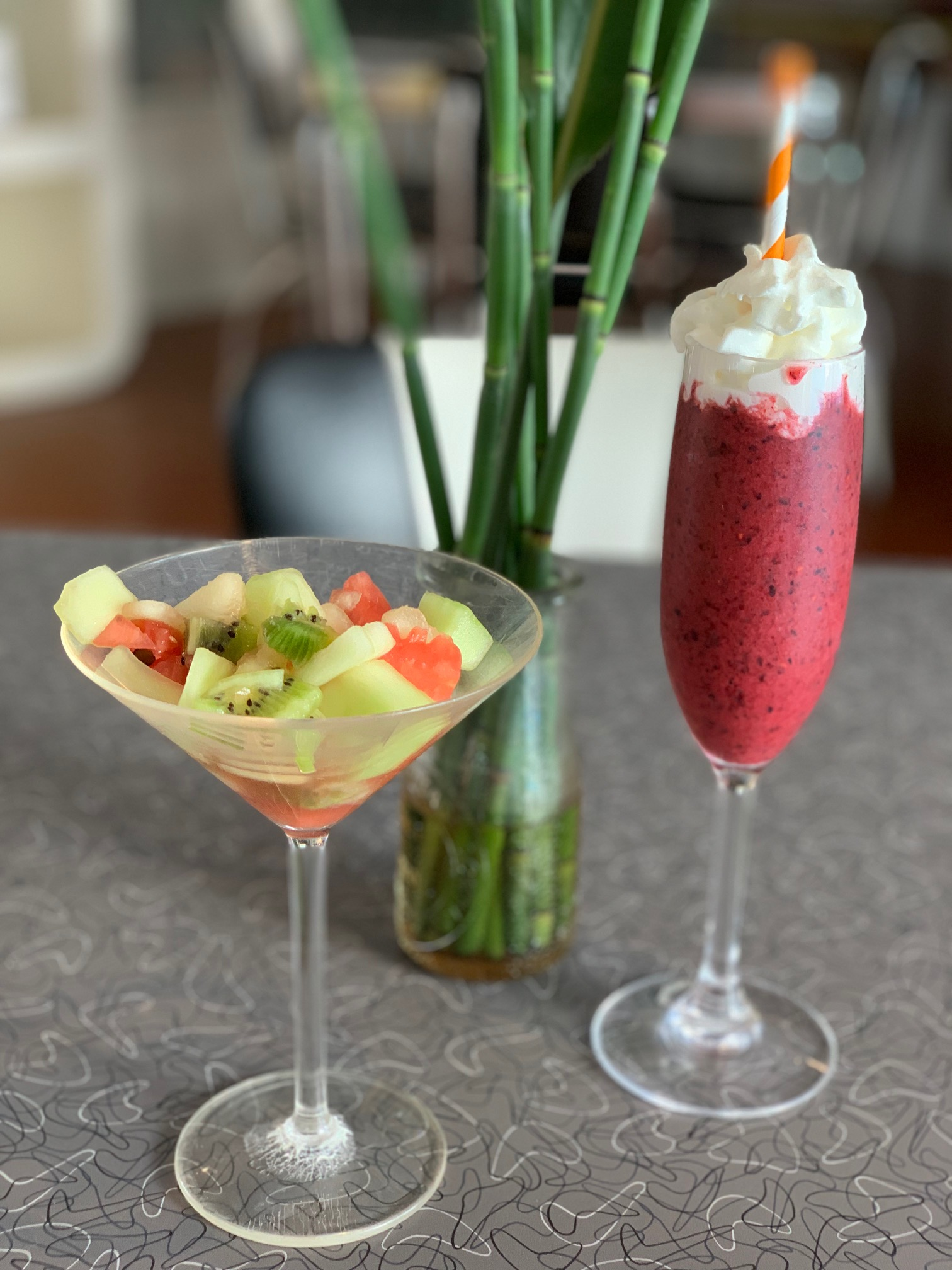 Fresh fruit, smoothie, and egg entree are offered at the Palm Springs Rendezvous each morning.